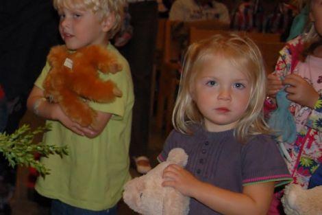 Dierenzegening rond Werelddierendag in Poeldijk