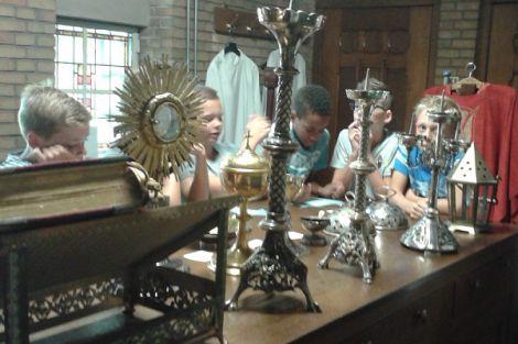 Schoolkinderen bezoeken Open Monumenten Klassendag