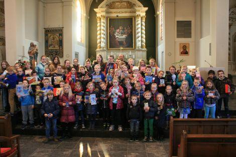 Kinderen geven actie Kerkbalans 2014 extra kleur!
