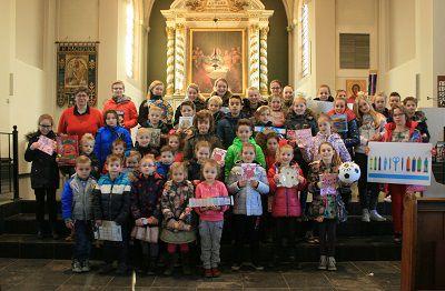 Kerkbalans door kinderen van basisschool  'De Zeester'