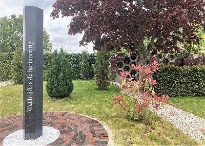 Nieuw strooiveld op begraafplaats van de St. Jan de Doperkerk te Wateringen